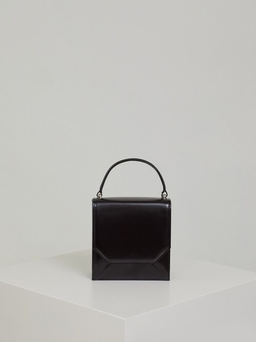 ENVELOPE LEATHER BAG (BLACK)