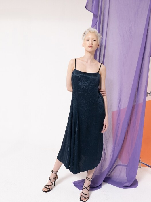 DARK NAVY WRINKLE SATIN SLIP DRESS