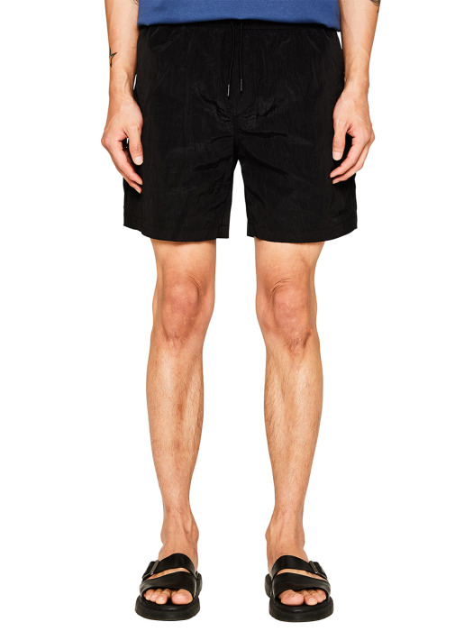 BLACK WRINKLE NYLON SHORTS