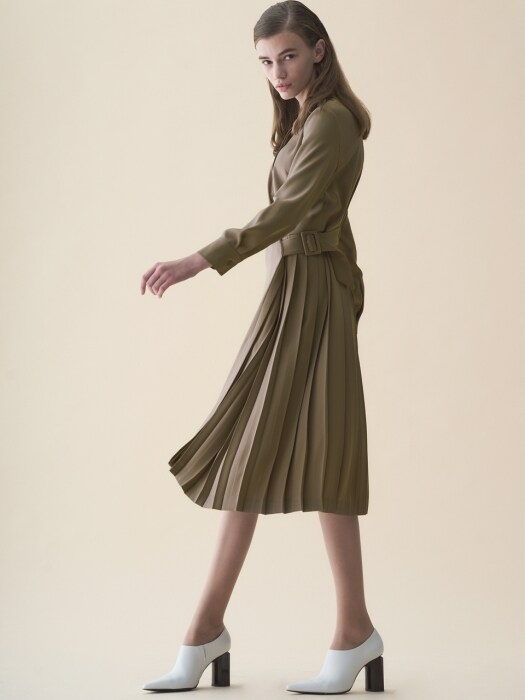 HALF PLEATS SHIRT DRESS_BEIGE