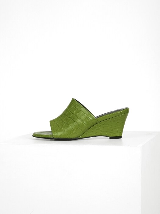 CROCODILE WEDGE - LIGHT GREEN