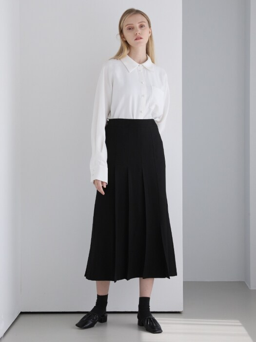 PLEATS DETAIL LONG SKIRT BLACK