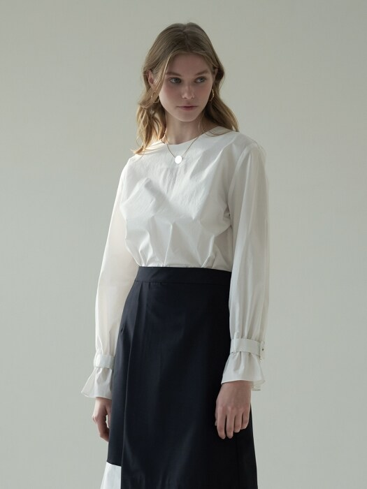 Sleeve buckle blouse_Ivory