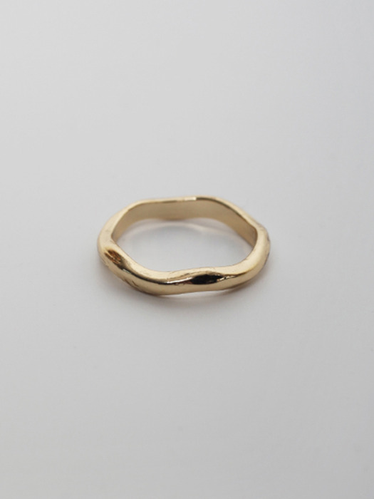 LU42 TOUxHAS Gold curved ring