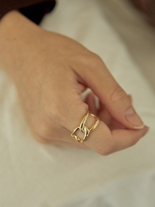 twist bold ring-gold