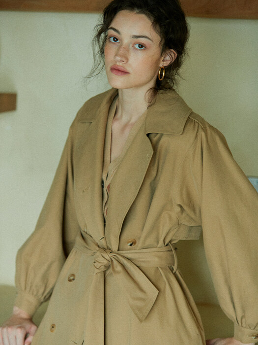 [EXCLUSIVE] shirring-sleeve hooded trench coat