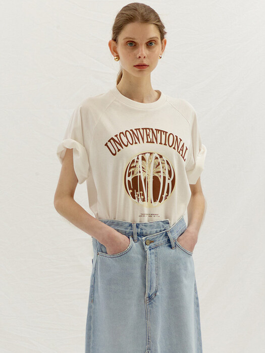 UNCONVENTIONAL T-SHIRT - WHITE