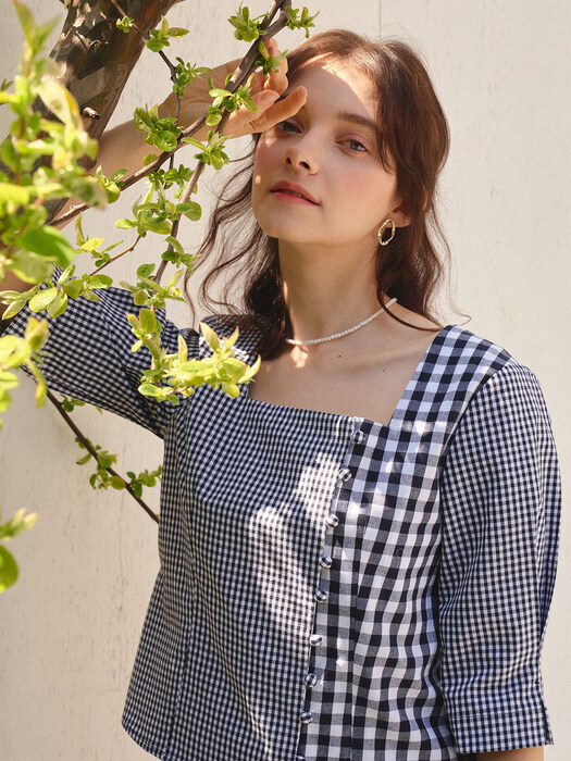 monts 1109 gingham check button blouse (navy)
