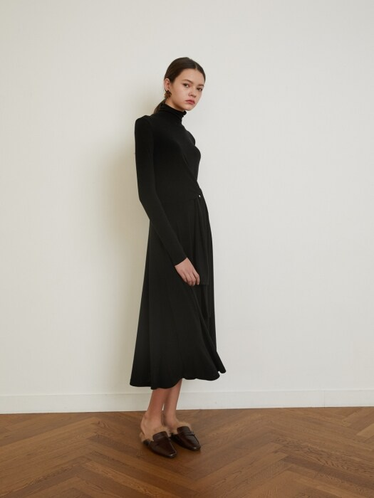 18 Winter_Black Wool Jersey Turtleneck Dress