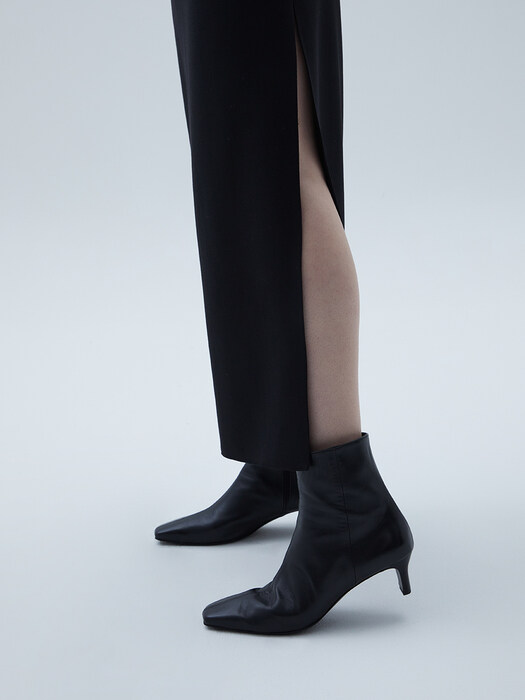 Square-toe Middle Heel Boots [LMF206]