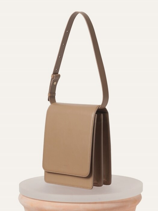 Camelia Bag(Beige / Black)