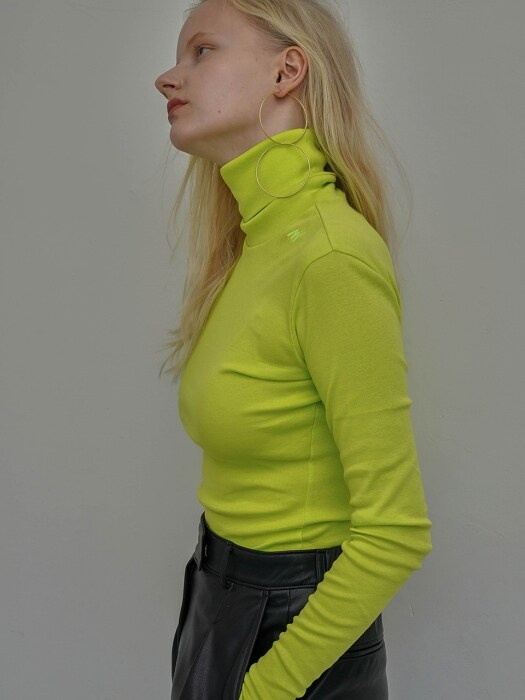 Slim Logo Turtleneck Lime