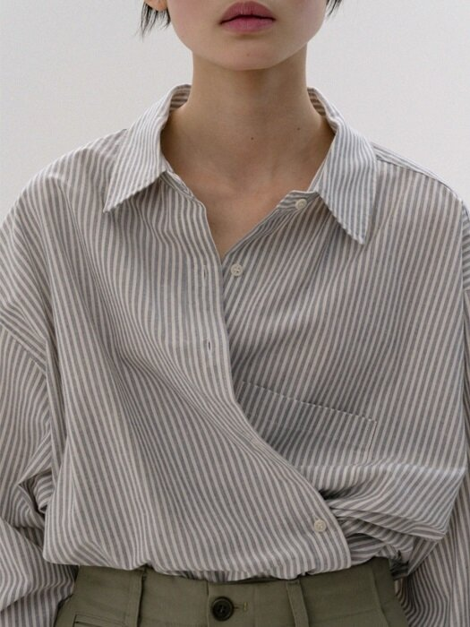 box shirt (navy stripe)
