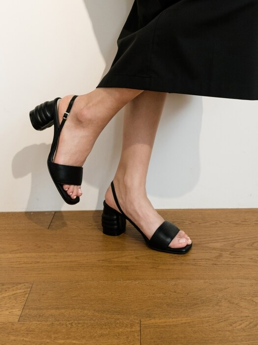 [EXCLUSIVE]HN061 - MOU SLINGBACK SANDAL (BLACK)