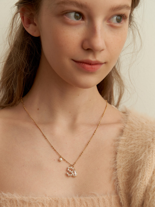 Pearl Initial Point Necklace_NZ1134