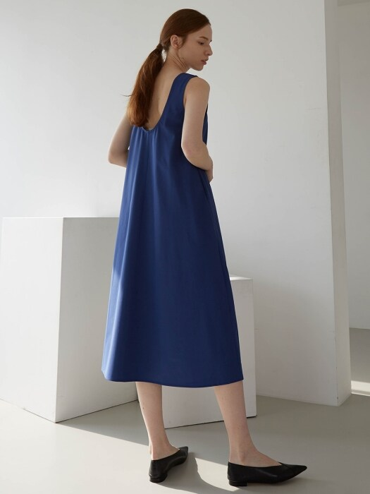 BACKLESS DRESS (BLUE)