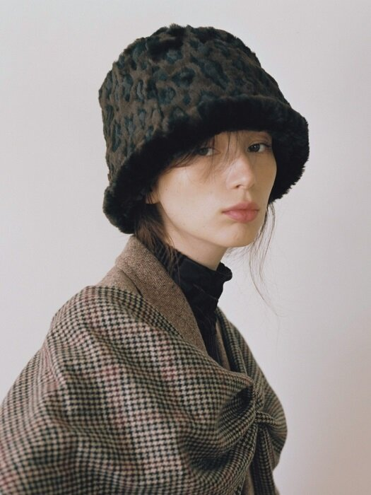 FUR LAMPSHADE HAT (2color)