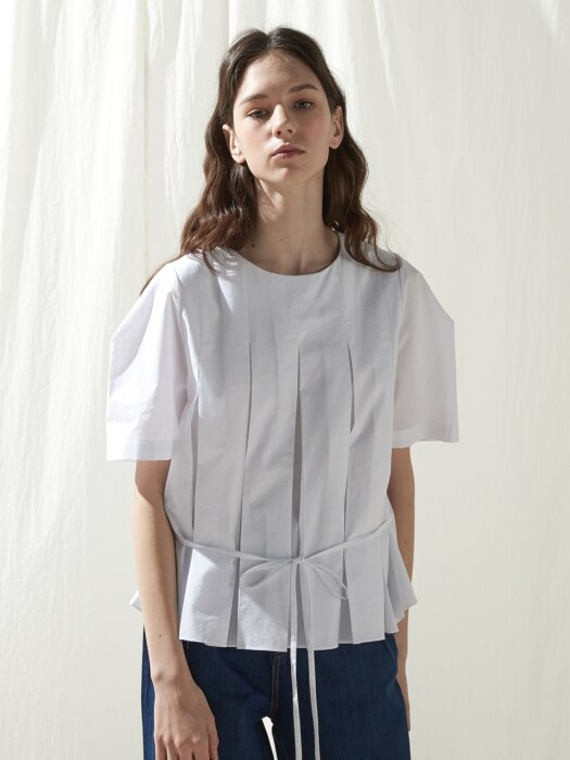 Half pleated top - White