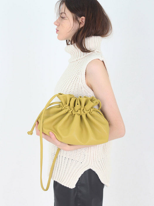 String shoulder bag [Mustard]