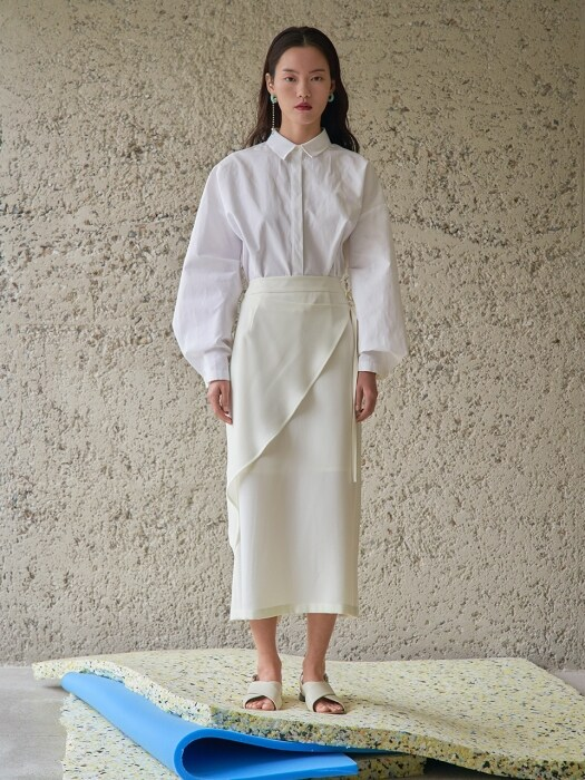 white Side Ruffle Skirt_RI0SK01WH