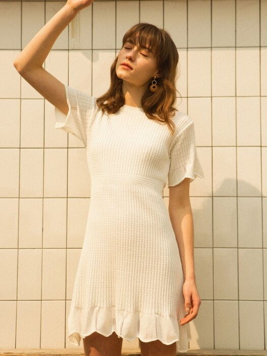 monts911 round neck flared dress (ivory) 슬립포함