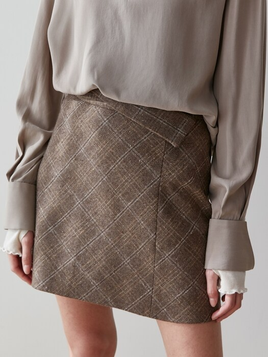 comos`250 front collar wool skirt (brown)