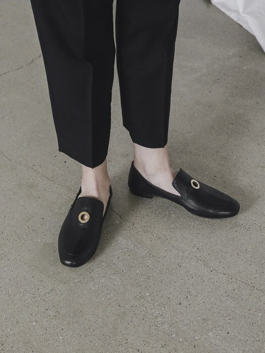 LWF18-8-1 Gold-ring Classic Loafer_Black