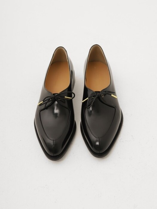 One Eyelet loafer (블랙)