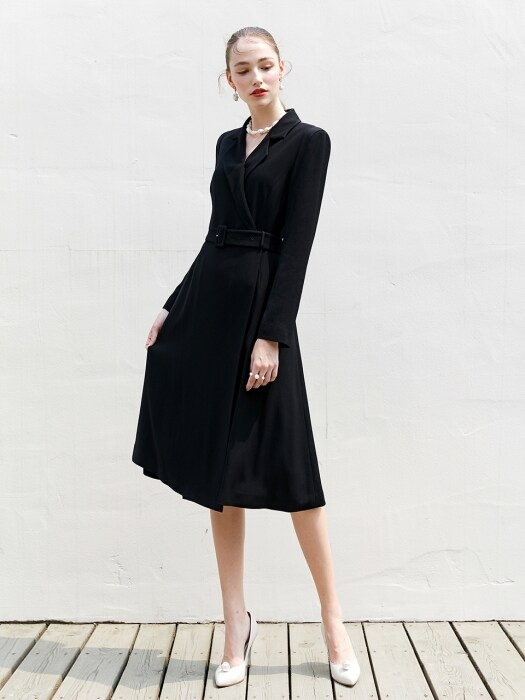 MONICA Classic notched collar tuxedo dress (Black)