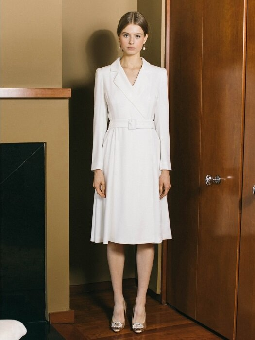 MONICA Classic notched collar tuxedo dress (Off White)