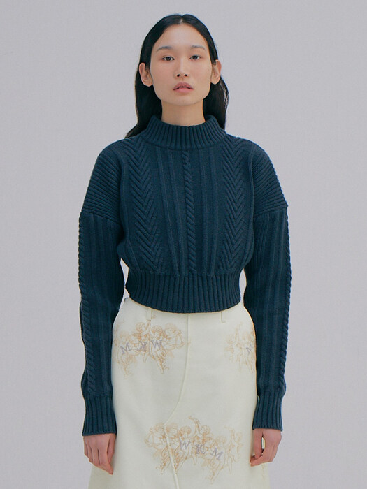 Short Cable Sweater Top_Charcoal