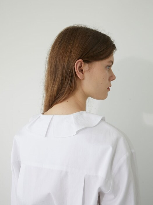19' WINTER_WHITE RUFFLE BLOUSE