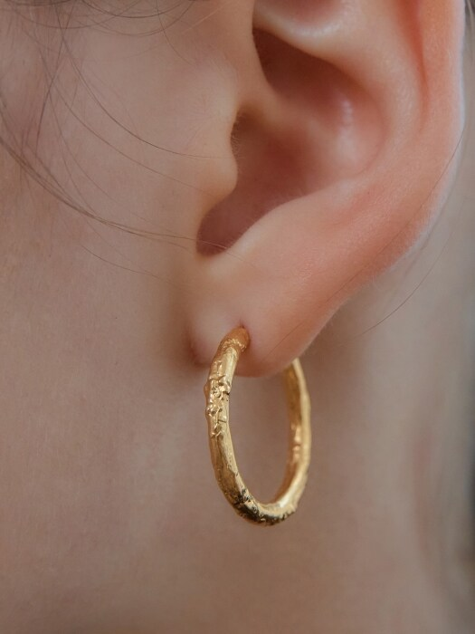 [SILVER] M CCT R EARRINGS (GOLD)