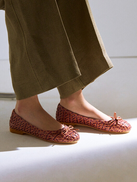 WEAVING LEATHER FLATS_PEONY+PLUM
