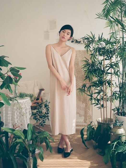 Unique Line Linen Maxi Dress : Beige