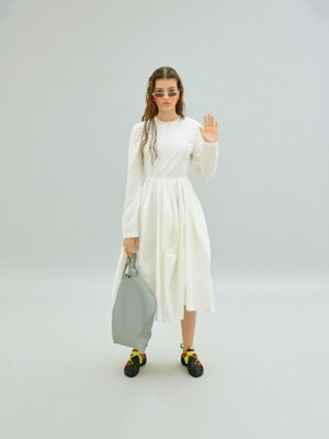 BACK-OPEN REVERSAL DRESS (WHITE)