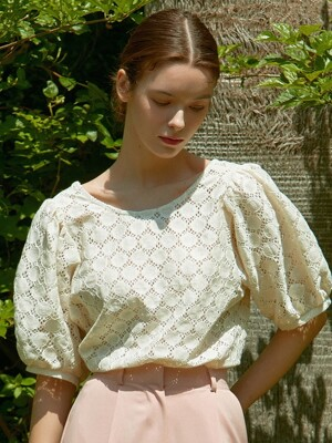 J458 U-neck lace blouse (ivory)
