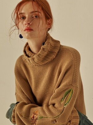 FLOWER EMBROIDERY CASHMERE KNIT_BEIGE