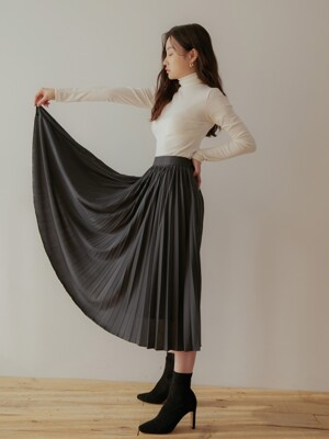 [SET]SOFT BRUSH POLA WHITE+LUSTER PLEATS SKIRT CHARCOAL