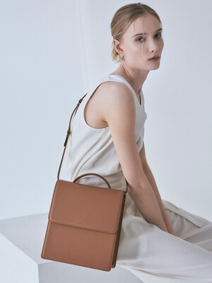 Flap medium satchel bag Creamy Tan