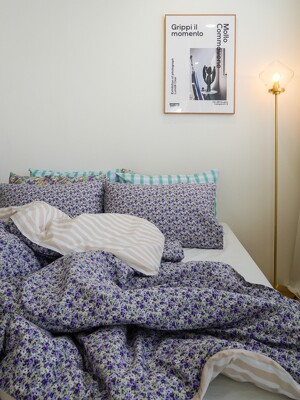 fresh violet flower bedding