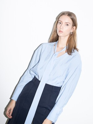 [20SS]PASADENA oversized tie detail blouse (Light blue)