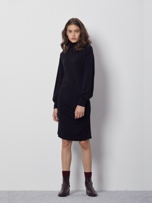 [제인송 VOYAGE] SIDE GATHER TURTLE NECK JERSEY DRESS