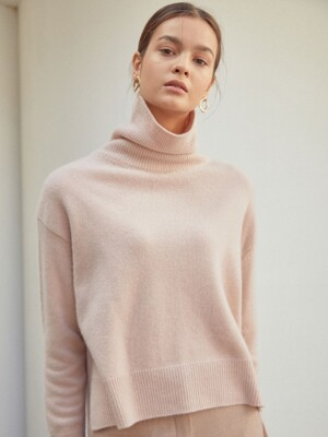 Unbal Turtle Neck Knit