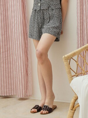 DAISY SHORT PANTS_BLACK