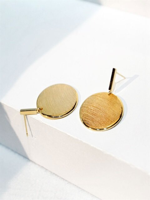 Circle plate earrings