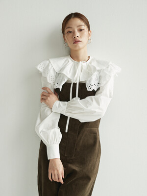 SINSA Wide eyelet collar blouse (Off white)
