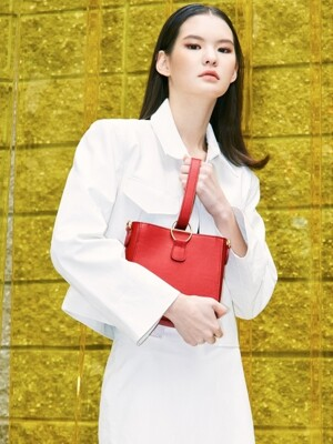 J134 Buckle-handle mini leather bag (red)
