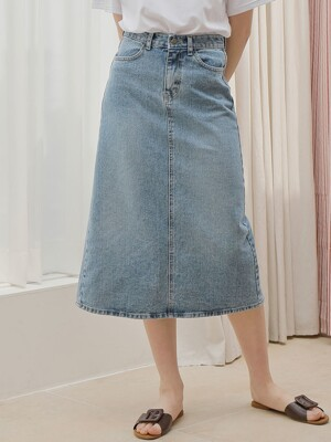 BACK SLIT DENIM LONG SKIRT_BLUE