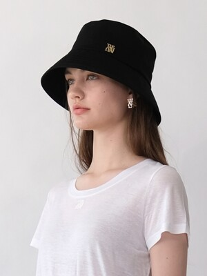 REINA LOGO BUCKET HAT
